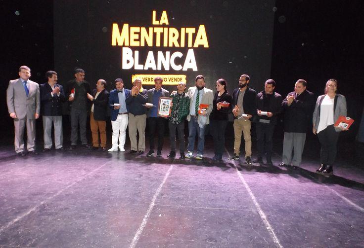 Municipalidad de San Carlos entrega reconocimiento a actores de la Película La Mentirita Blanca