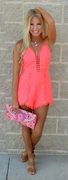 Great romper her makeup though it's too light for her skin tone