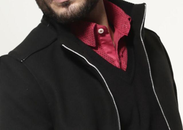 Colores oscuros acompañados de colores brillantes dan un estilo inigualable. Qué opinas?  #HolidaysTime #AlegriaDeVivir #HighLifeStyle #hombres #Estilo  ¡¡Conócenos en www.highlife.com.mx!!
