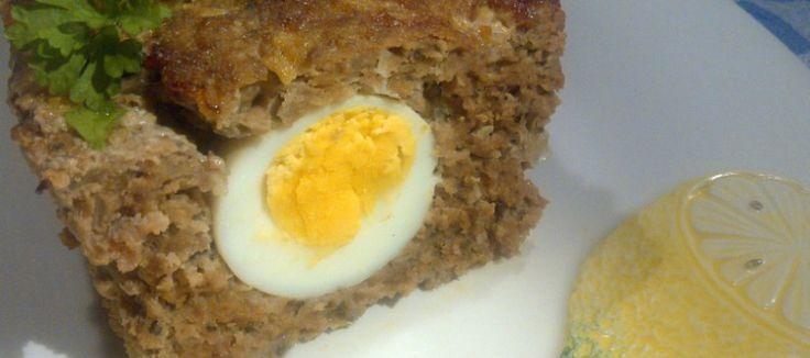 LEKKER: Gehaktbrood met verstopte eieren, halverwege vocht weggooien en einde baktijd ook en af laten koelen in bakblik
