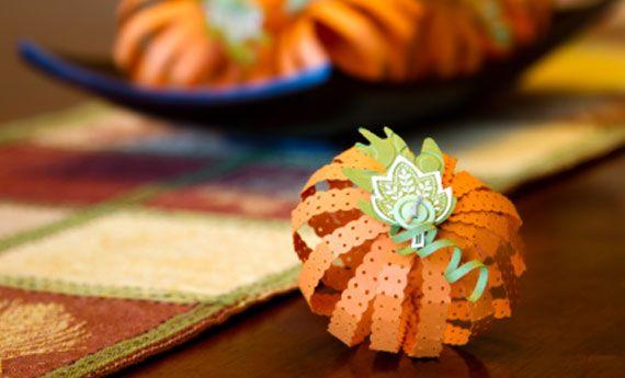 Segnaposto di Halloween fai da te, la zucca di carta! | Artiste per casa