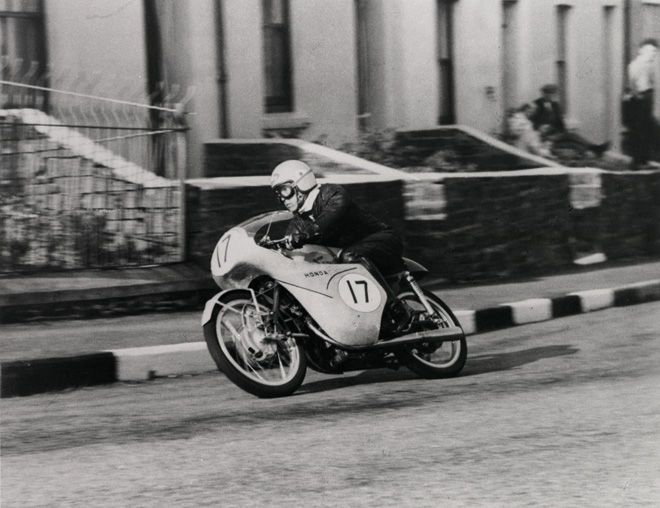Junzo Suzuki / RC142 (1959 The Isle of Man TT)