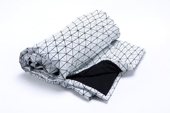 White and black origami geometric throw 120x160 cm от mikabarr
