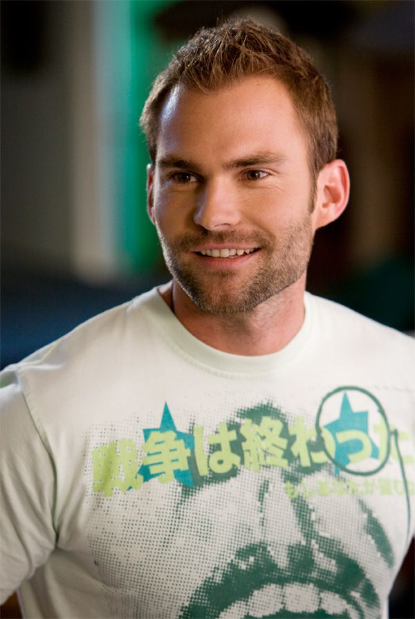 Seann William Scott usually plays such d-bags (except in Goon, which I looooove), but I love a good d-bag, god help me.