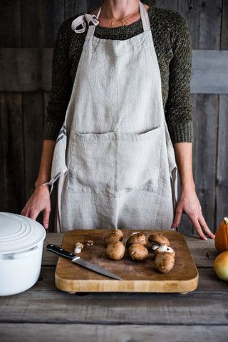 Vintage Linen Apron – Bowl & Pitcher