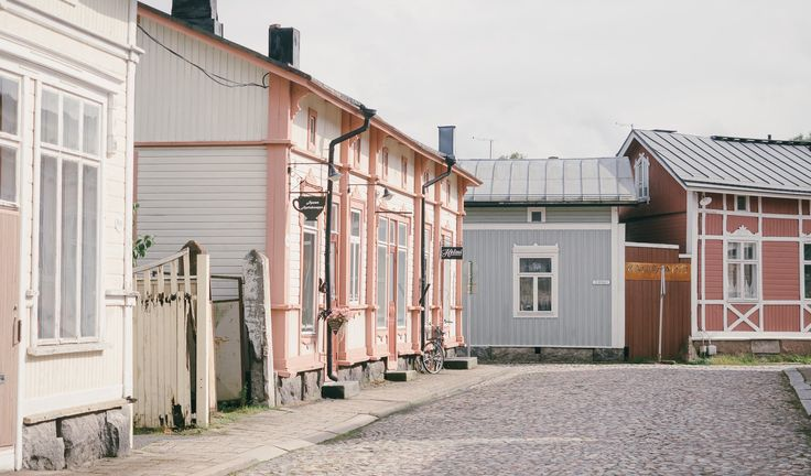 https://flic.kr/p/wHeUEE | Old Rauma | Old town of Rauma in Western Finland is one of the seven Unesco World Heritage sites in Finland.  ✈ miemo.net | instagram | vsco grid | behance | twitter ↩