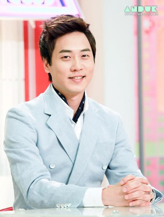 Andy Lee aww! loved him in WGM, so sad when they left. #Shinhwa