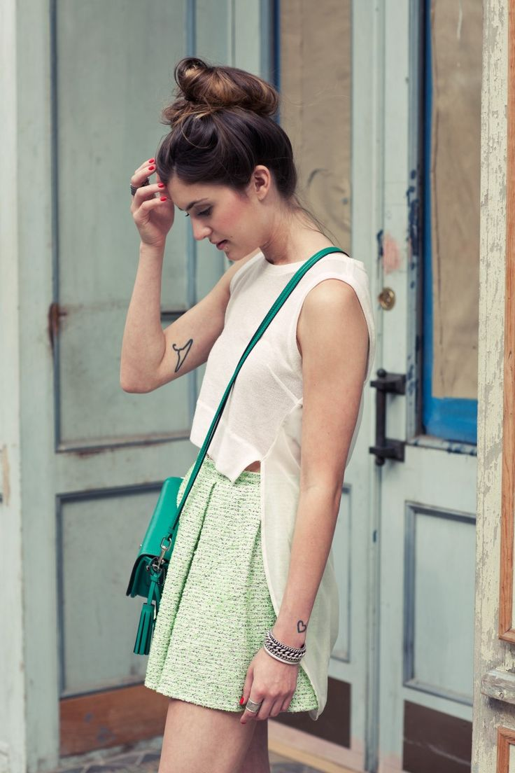 Tattoo Love: Fashion, Style, Tweed Skirt, Bag, Cute Outfits, Bloggers Outfits, Simple Outfits, White Top