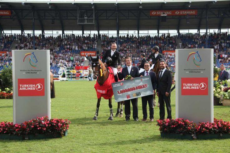 Caballos. El cuatro vences medallista olímpico y número 5 del mundo Eric Lamaze consiguió la primera victoria FEI en el CHIO Aachen (Aquisgrán), al dominar el € 100.000 Turkish Airlines-Prize of Europe.