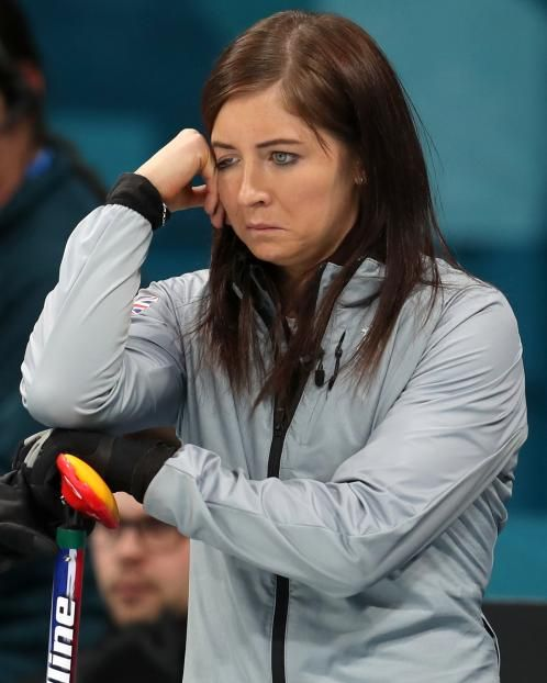 Great Britain's women curlers will play for a Winter Olympic bronze medal after a 10-5 semi-final loss to Sweden in Pyeongchang.  Victory would mean GB record their best medal haul by surpassing the four won at Sochi 2014 and Chamonix 1924.  Eve Muirhead's team will face Japan, who lost to hosts South Korea in the other semi, at 11:05 GMT on Saturday.