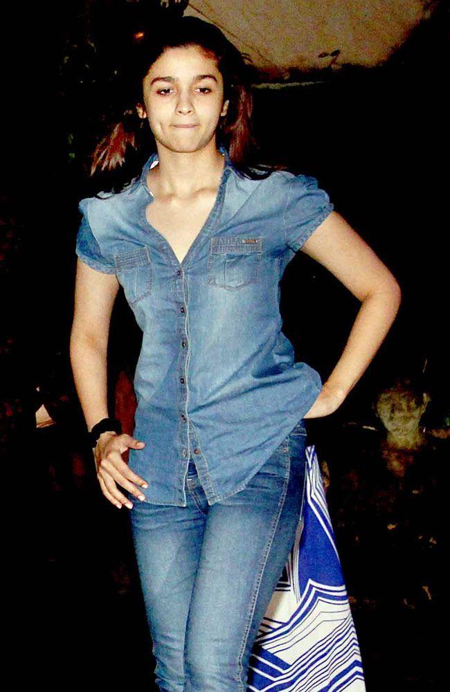 Alia Bhatt at Ayan Mukerji's 29th birthday bash outside Karan Johar's birthday…