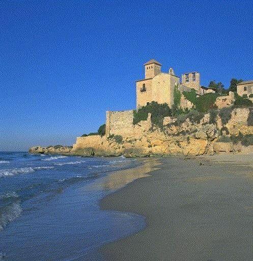 Tarragona.Al fondo camping de la Mora