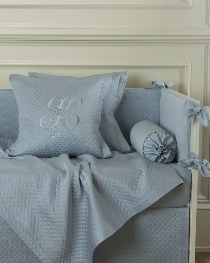 Декоративная подушка с вышивкой и валик Solo Blu - fioridivenezia.ru