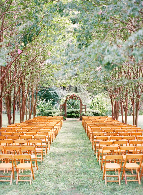 Beautiful Outdoor Woodland Wedding makes a perfect