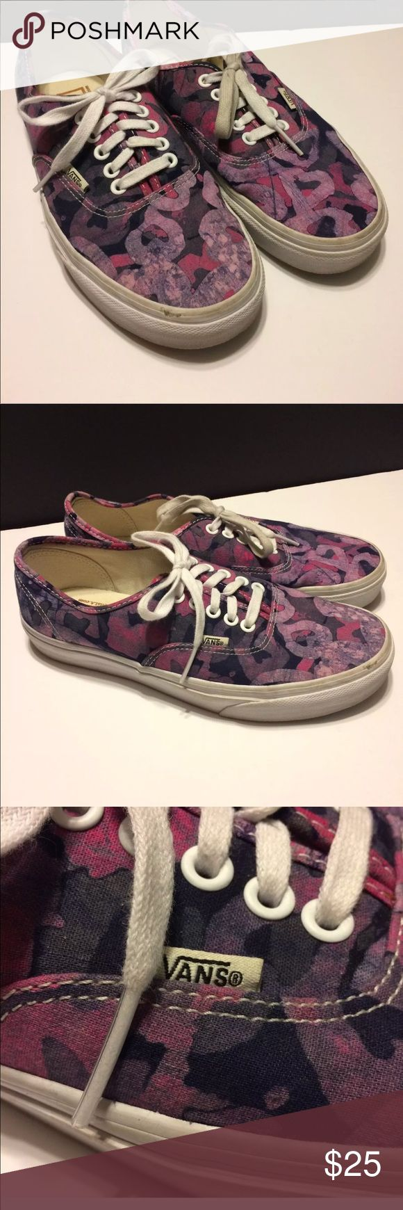 Della Vans, purple batik Della Vans, purple batik Size: Men's US: 7.5; Ladies US: 9 TC6D In good pre-owned condition tho the shoes do show some wear.  See Photos Vans Shoes