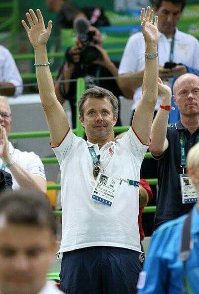 Crown Prince Frederik attended the #DEN vs #ARG handball match at the olympics.