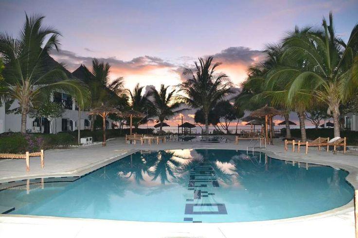 Lekker een week bijkomen op een paradijselijk locatie... 💭 Op het tropische ZANZIBAR kan het! 9-daagse vakantie v/a €599. Wie wilt er nou niet op deze hagelwitte stranden liggen?