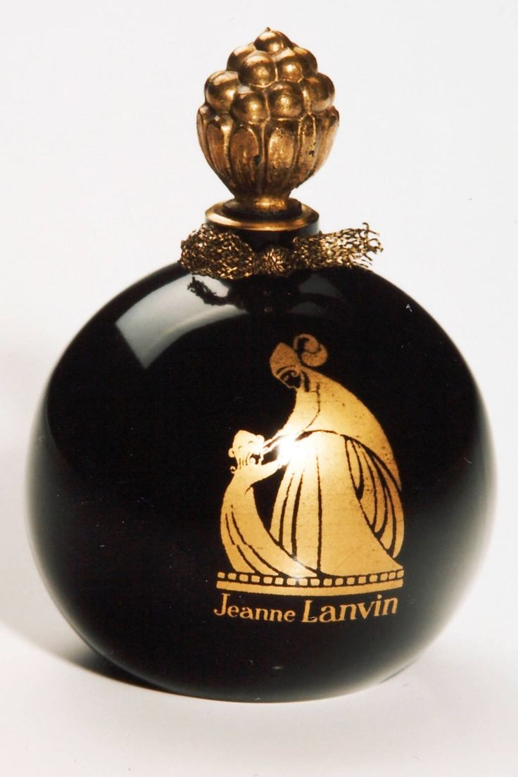A Lanvin perfume bottle from 1925
