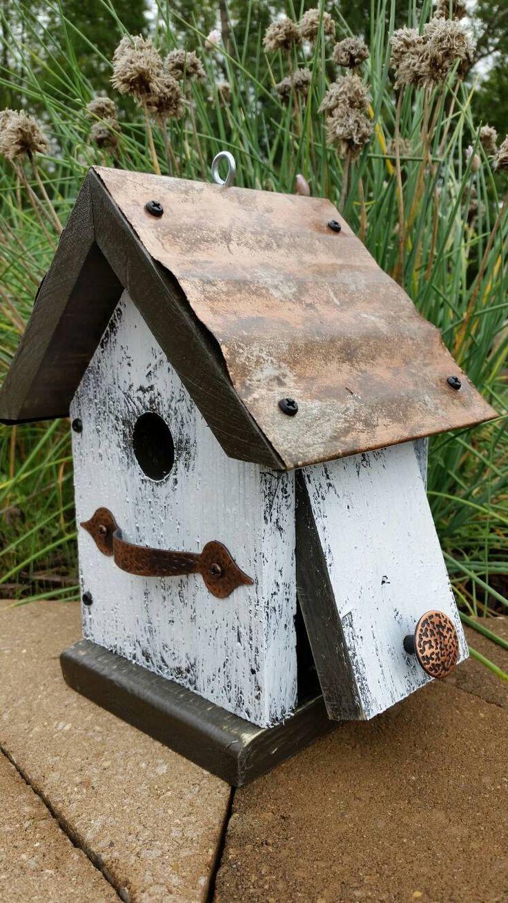 Small birdhouse by SBMsCreations on Etsy https://www.etsy.com/listing/554319103/small-birdhouse