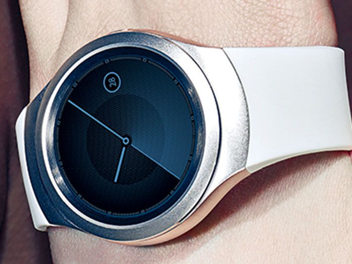 Samsung-Gear-S2-Unpacked-2015-lookbook-3.jpg (700×525)