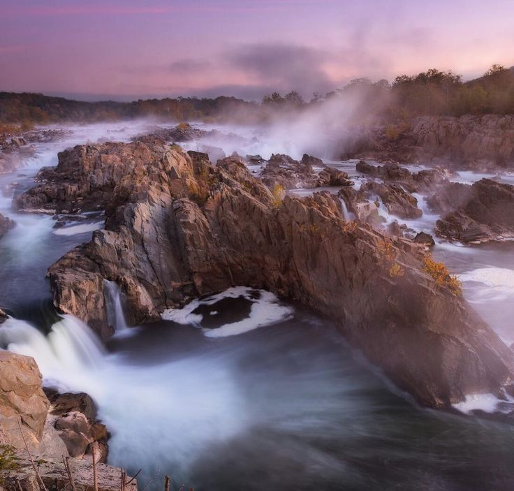 Just outside of #WashingtonDC, in #Virginia, #GreatFalls Park is the perfect place to get some exercise. There's hiking, biking, fishing, climbing and boating opportunities. But, however fast you're moving, the stunning view of the #Potomac River crashing over the falls will stop you in your tracks. #Sunrise photo courtesy of Jose Torres (@josetorresphoto ) #usinterior #findyourpark