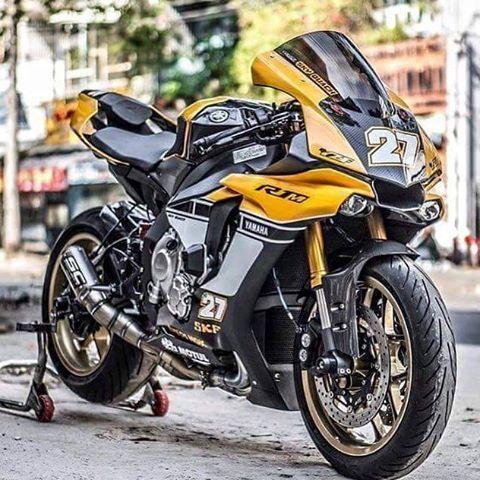 Yes or no? Yamaha R1 #R1#R1M#YAMAHA#chairellbikes4life