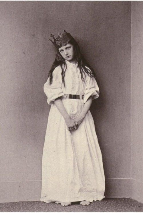 ¤ The real Alice from Wonderland photo by Lewis Carrol.