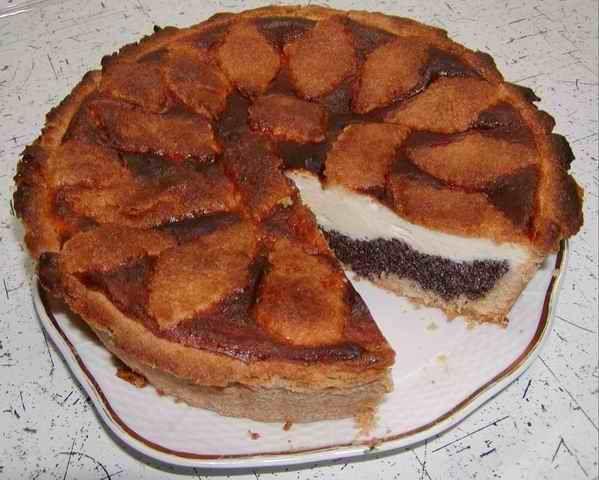 Vynikající pětihvězdičkový :o)  makovo-tvarohový koláč