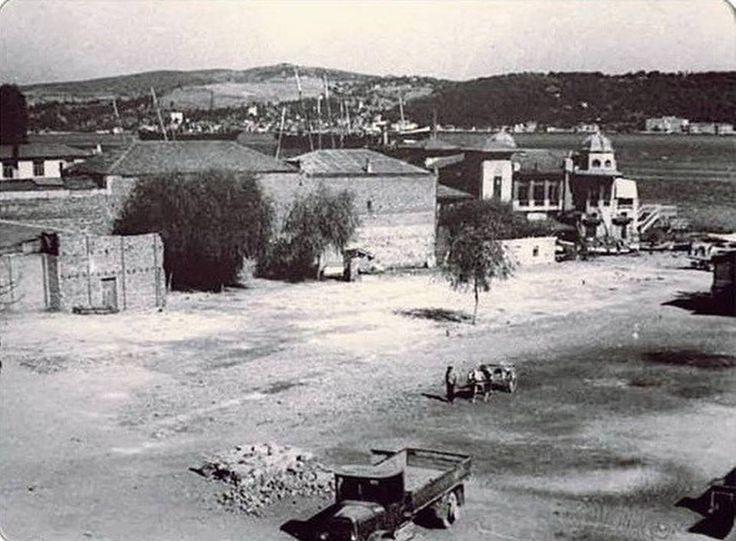1940'lardaki Beşiktaş (iskele) günümüzdeki haline hiç benzemiyor:-))