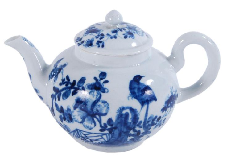 A small worcester blue and white teapot and cover mar