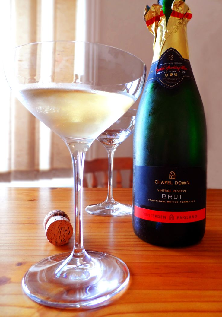 Chapel Down Brut with the timelessly classic Spiegelau Champagne saucer.