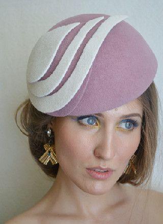 Dusky pink 3D felt hat.