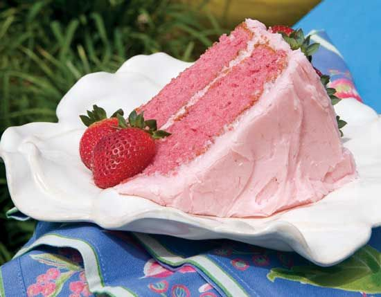 Simply Delicious Strawberry Cake Paula D (white4 cake mix, strawberry jello, strawberies, cream cheese, strawberry exgract)