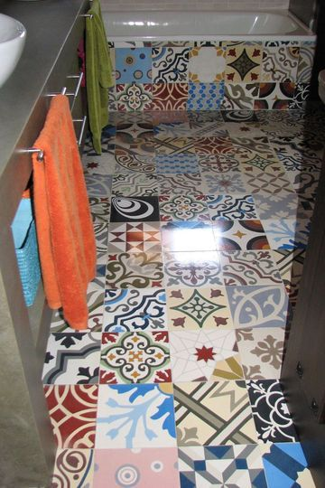 Une explosion de couleurs dans la salle de bains - Carrelage : osez les carreaux créatifs et colorés - carosim