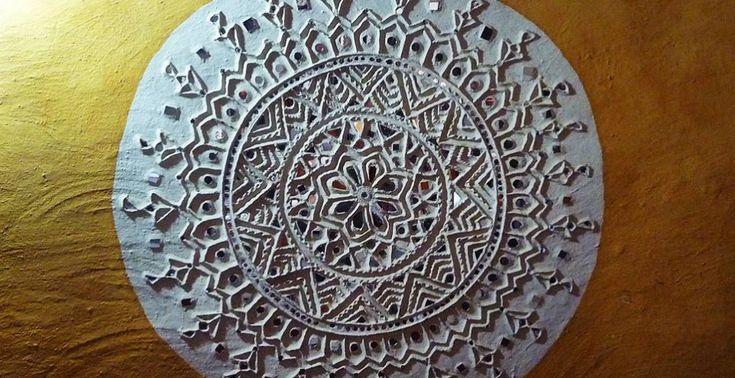 Lippan kaam (Mud Mirror art) from Kutch Gujarat, India