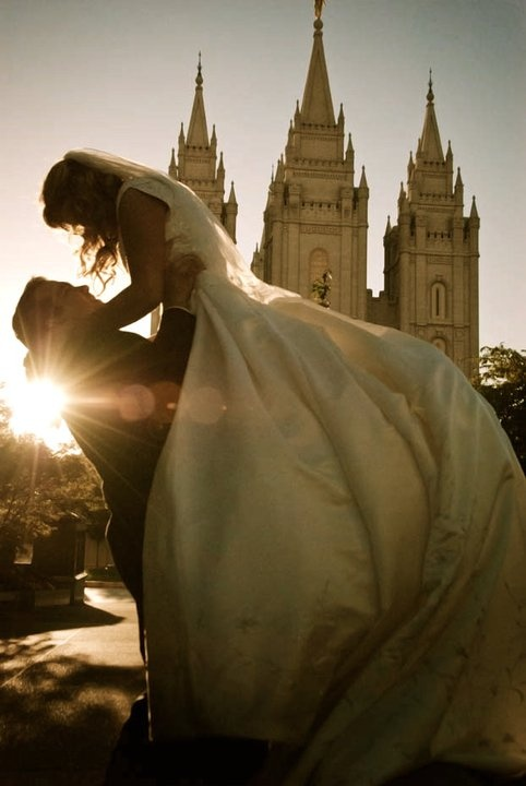 Pretty temple picture. Love it!!!Mormons Temples Wedding, Lds Wedding Dresses Lace, Temples Wedding Photography, Lds Temples Marriage, Pictures Of Lds Temples, Wedding Dresses Temples, Lds Wedding Photography, Wedding Pictures, Lds Temples Wedding