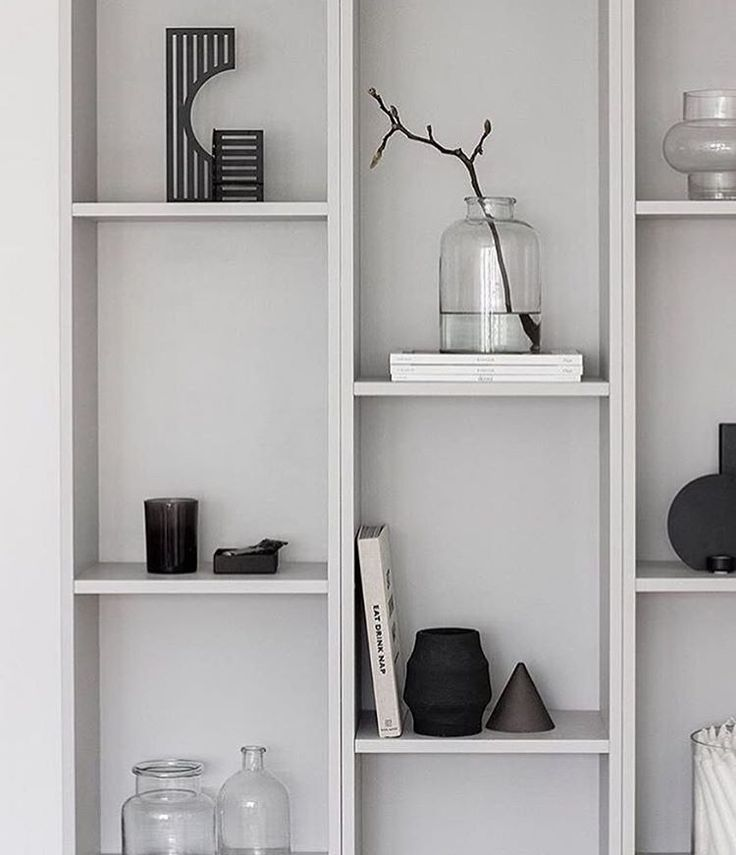 Dash candlestick in a nice setting - gives a Sculptural and Graphic touch to this interior styling by @amandaxelssson #kristinadamstudio #regram #candlestick