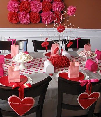 Valentine Day TableValentine Day Ideas, Valentine Heart, Valentine Parties, Parties Ideas, Parties Decor Ideas, Birthday Parties Decor, Felt Heart, Valentine Day Parties, Valentine Party
