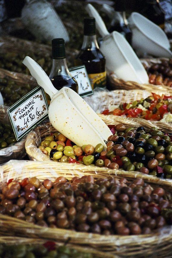 Olive Market ~ Avignon Provence-Alpes-Côte d'Azur