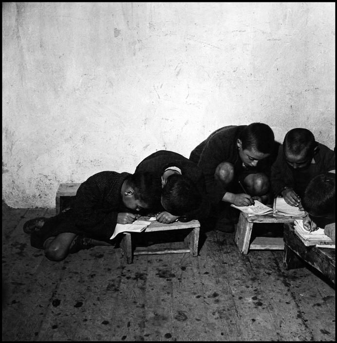 David Seymour, Children at school, Greece, 1951.