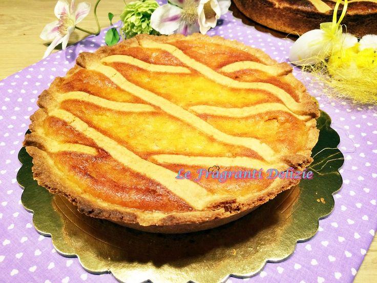 La pastiera napoletana è il dolce tradizionale campano che viene preparato da tempi lontanissimi in occasione della Santa Pasqua.