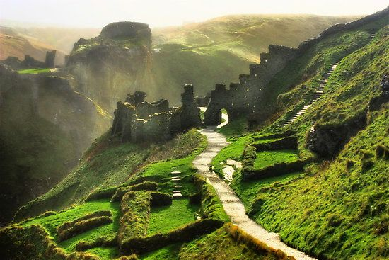 Tintagel, ruins of King Arthur's castle [it should be noted that this original caption is misleading. King Arthur was not a historical figure, his stories and those of his knights are a permutation of older Celtic mythos mainly - Kanye]