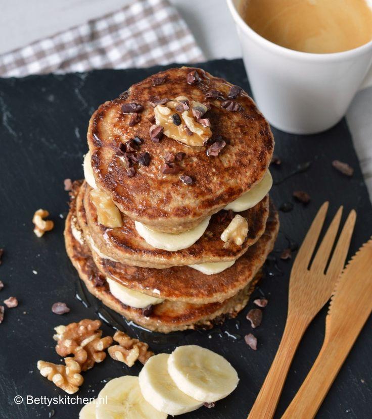 Recept: Gezonde havermout pannenkoekjes met banaan, walnoten en cacao nibs