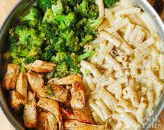 Pasta Alfredo met broccoli, kip en room