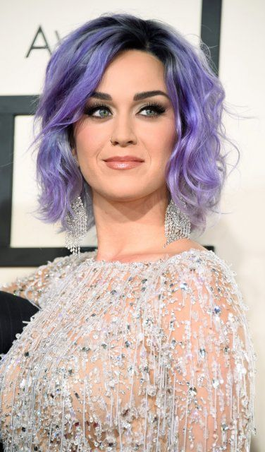 die besten 25 katy perry lila haar ideen auf pinterest katy perry katy perry alle lieder und. Black Bedroom Furniture Sets. Home Design Ideas