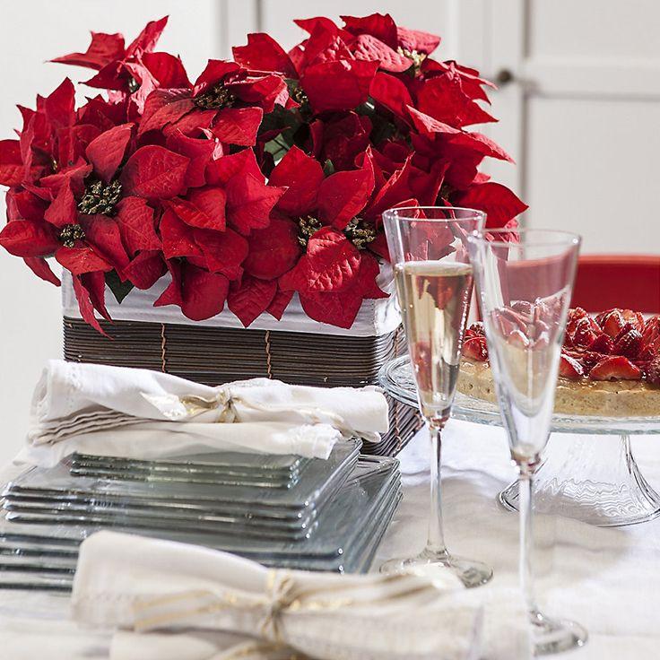 ¡Las flores son tendencia en Navidad! Las rojas y blancas combinarán perfecto con la decoración navideña de tu living-comedor. #SodimacHomecenter