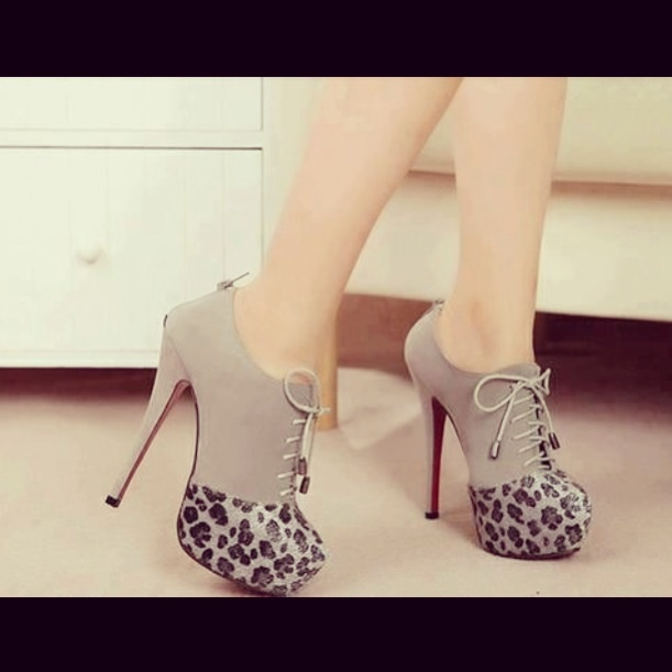 Animal print. Booties heels