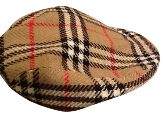 """Vintage Newsboy Burberry Cap. Free shipping and guaranteed authenticity on Vintage Newsboy Burberry Cap at Tradesy. This is an Authentic """"vintage"""" """"Burberrys"""" newsboy..."""