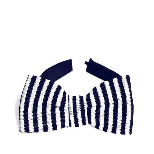 Hand-knitted Pelliano bow-tie