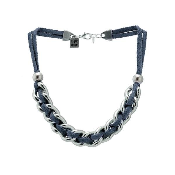 Collar Santander Plateado Azul   Collar corto de piel de ante con cadena plateada entrelazada de MAR BCN, consíguelo en: www.marbcnshop.com